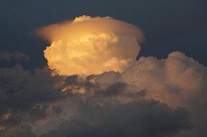 夕暮れの夏雲